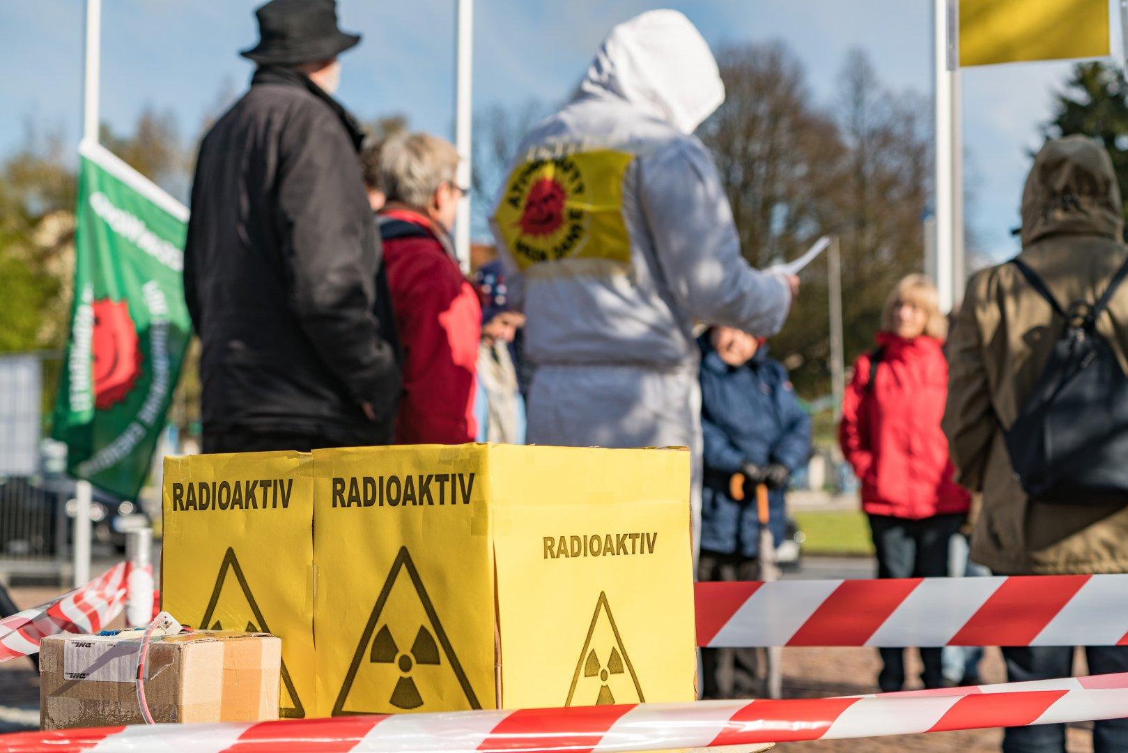Tschernobyl-Mahnwache-16-04-26-41